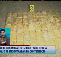 En el contenedor que transportaba madera, fueron encontrados 12 sacos con cocaína.