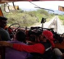 """ECUADOR.- El equipo de """"Ecuador sobre ruedas"""" viajó hasta Imbabura, desde donde tomó un autoferro. Foto: Ecuavisa"""