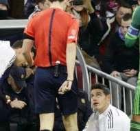 Rodríguez (abajo) tras la lesión en el partido con el Celta (Foto: EFE)