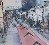 GUAYAQUIL, Ecuador.- El siniestro se registró a las 10H00 de este miércoles, en un local de implementos deportivos. Foto: ECU 911 Samborondón