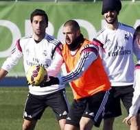 Los jugadores del Real Madrid en un pasado entrenamiento (Foto: EFE)