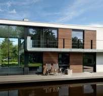 Todo comenzó con la simple casa-bote y ha evolucionado hacia comunidades flotantes enteras.
