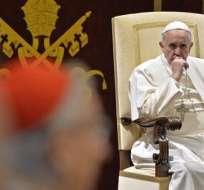 """Francisco agradeció el trabajo de todos los que trabajan en el Vaticano y recordó"""" """"la necesidad de ser armónicos y capaces de trabajar juntos""""."""