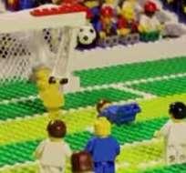 """Van """"Lego"""" Persie y su espectacular tanto de cabeza ante España."""