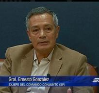 Ernesto González señala en su libro que ese día, en que aún era jefe de las FF.AA., no hubo ningún intento de golpe de estado.