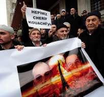La esposa del yihadista no asistió a la ceremonia para preservar el secreto de los funerales. Fotos: AFP