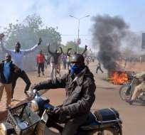 Al menos cinco iglesias fueron quemadas hoy en nuevos enfrentamientos desatados en Niamey, capital de Níger. Fotos: AFP