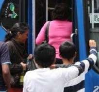 Tarifas de pasaje urbano en Quito se mantendrán este 2015