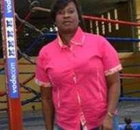 Antes de ser árbitro fue boxeadora.