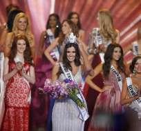 Paulina Vega, de 22 años y nacida en Barranquilla, fue coronada anoche en una gala celebrada en Miami. Fotos: EFE.