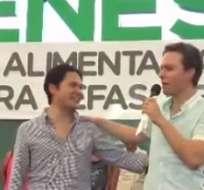 El político mexicano subió al afectado a la tarima para darle las excusas de manera directa.
