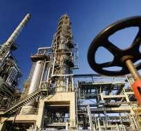 """El barril de """"light sweet crude"""" (WTI) para entrega en marzo aumentó 1,08 dólares."""