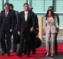 COSTA RICA.- El presidente, a su arribo a Costa Rica, dijo que las reuniones deben generar resultados tangibles. Foto: Presidencia de la República