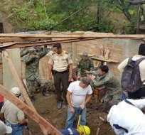 LOJA.- Aproximadamente dos horas tardaron las acciones de rescate, según informo el ECU 911. Fotos: Cortesía