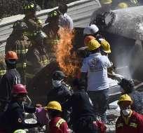 MÉXICO.- La fuerte explosión dejó el centro prácticamente destruido y al menos dos muertos. Fotos: AFP