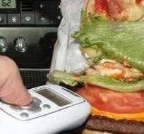 Solo será necesario acercar el gadget al plato que se quiera analizar para averiguar si está caducado o si ha sido víctima de la crueldad de algún camarero.