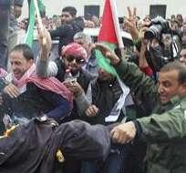 Emiratos Árabes Unidos (EAU) ordenaron hoy estacionar un escuadrón de cazas F-16 en Jordania. Foto: EFE