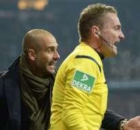 Guardiola no respeta la zona técnica. Foto: AFP.