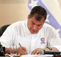 La reducción incluye el salario del Presidente de la República.