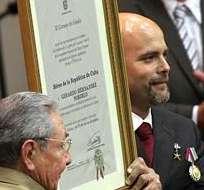 """El título de """"Héroes de la República de Cuba"""" les había sido concedido a los cinco agentes por la Asamblea Nacional, el 29 de diciembre de 2001. Foto: EFE."""