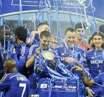 En un partido muy disputado, el Chelsea, cuyo último precedente con el Tottenham era una derrota 5-3 en enero, supo aprovechar las concesiones del rival. Foto: AFP.