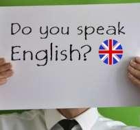 Según expertos, puedes aprender habilidades básicas de comunicación en solo unas semanas y dominar los fundamentos de un idioma extranjero en unos meses.