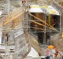 AZOGUES, Azuay. La construcción del proyecto Mazar Dudas inició en enero de 2012 y es una de las ocho que se construyen en el país. Foto: espectadorazogues.blogspot