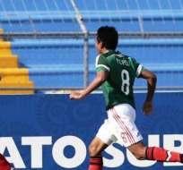 La selección mexicana de fútbol, celebra el gol ante Costa Rica (Foto: EFE)