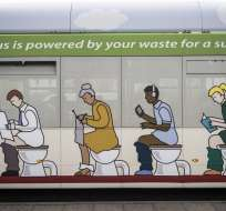 INGLATERRA.- El biometano necesario para abastecer al bus provendrá de las heces de 32.000 personas. Fotos: medios londinenses