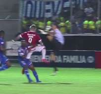 Esteban Dreer se llevó el primer lúgar ránking tras su patada a jugador de Internacional.