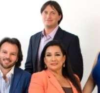 Además de Tomás y Tania, el equipo de realizadores lo conforman Carolina Mella, María Cecilia Largacha, Andrés López y Hernán Higuera.