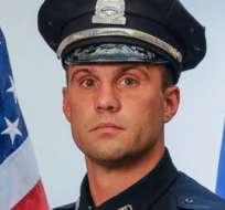 El agente John Moynihan, de 34 años, recibió los disparos en esa ciudad estadounidense este viernes por la noche, durante la detención de un vehículo.
