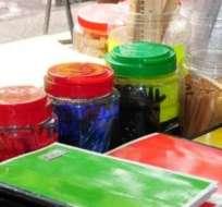 GUAYAQUIL. Muchos de los vendedores, ofrecen descuentos y otorgan obsequios a sus clientes con el fin de atraerlos.