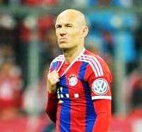 Arjen Robben salió lesionado en el partido con el Borussia Dortmund (Foto: EFE)