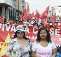 GUAYAQUIL, Ecuador.- Afines y no afines al Régimen, los manifestantes desfilaron por separado en defensa de sus derechos. Fotos: API y redes sociales