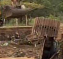 ZAMORA. Ecuador. La vía que comunica algunos sectores turísticos de Zamora fue destruida y uno de los puentes está a punto de colapsar por la fuerza del agua que ha aumentado su caudal.