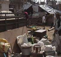 NEPAL. El Ministerio del Interior nepalí informó a primera hora de la mañana local que la fuerte réplica de ayer al terremoto de 7,8 grados de abril causó además daños en 32 de los 75 distritos de Nepal. Fotos: EFE