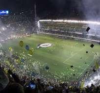 La Bombonera, estadio de Boca Juniors, suspendido por los incidentes (Foto: EFE)