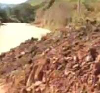 Vía Panamericana que une a Loja con El Oro permanece cerrada tras derrumbe