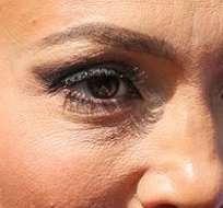 Jennifer lpez sin photoshop ecuavisa en esta nueva imagen se le pueden observar algunas lneas de expresin y piel con poros thecheapjerseys Choice Image