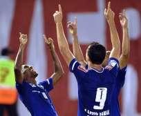 Los jugadores de Cruzeiro celebran el gol en el partido con River Plate (Foto: EFE)