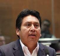 QUITO, Ecuador.- Fausto Cayambe propuso que la Comisión de Biodiversidad investigue el proceso de explotación petrolera de Chevron-Texaco en el país. Foto: Asamblea Nacional.