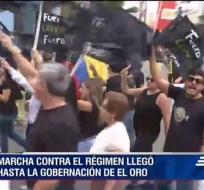 En Puyo, Machala y Cuenca se dieron marchas a favor y en contra del Gobierno