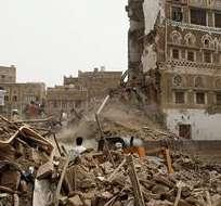 YEMEN.- Es la primera vez que se producen ataques contra casas del casco viejo de Saná. Fotos: EFE.