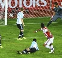 Barrios marcó el gol del empate. Foto: EFE.