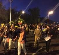 La Av. de Los Shyris volvió a reunir a opositores y simpatizantes del régimen.