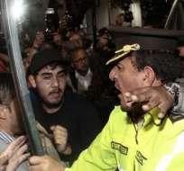 QUITO, Ecuador.- La Policía informó de varios agentes heridos durante los forcejeos con los manifestantes. Fotos: API
