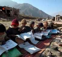 Uno de cada seis adolescentes no está escolarizado, lo que suponía un total de 65 millones en 2013. Foto: Web.