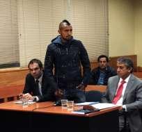 Vidal pidiendo disculpas a las autoridades. Foto: AFP.