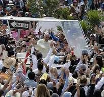 QUITO, Ecuador.- Se calcula que los turistas colombianos y peruanos gastaron por persona un promedio de 400 a 450 dólares. Fotos: AFP